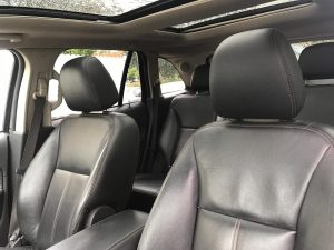 Ford-Edge-seats-roof-1-300x225
